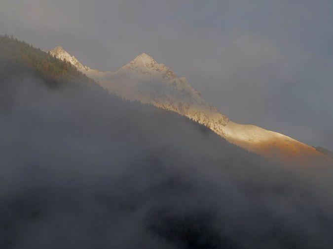 Pic de l'Arbizon entre neige et brouillard