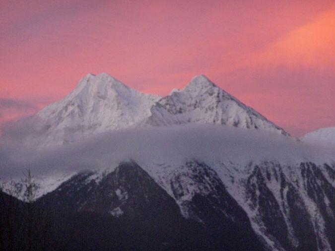 Pic d'Aret et de Tramezaigues au petit matin - vallée d'Aure- Pyrénées