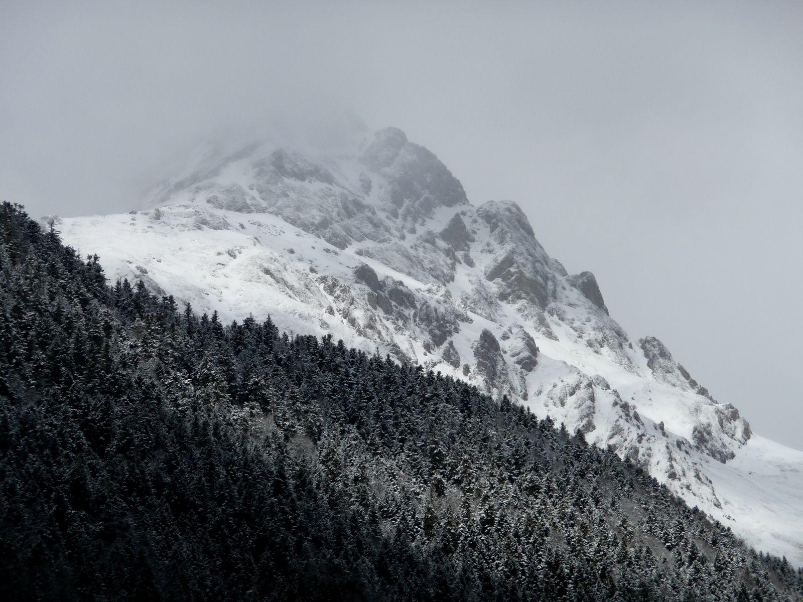 giboulée de mars sur l'Arbizon vallée d'Aure