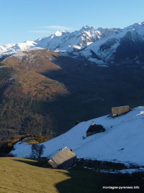 Granges foraines de Grascouéou au dessus de Saint-Lary Soulan vallée d'Aure Pyrénées