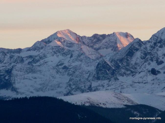 Massif des Posets Espadas depuis le col d'Aspin Pyrénées