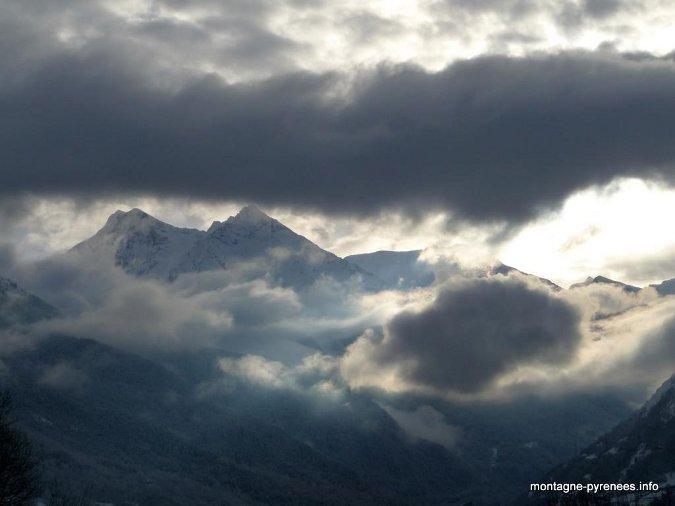 Nuages sur la vallée d'Aure - Pyrénées