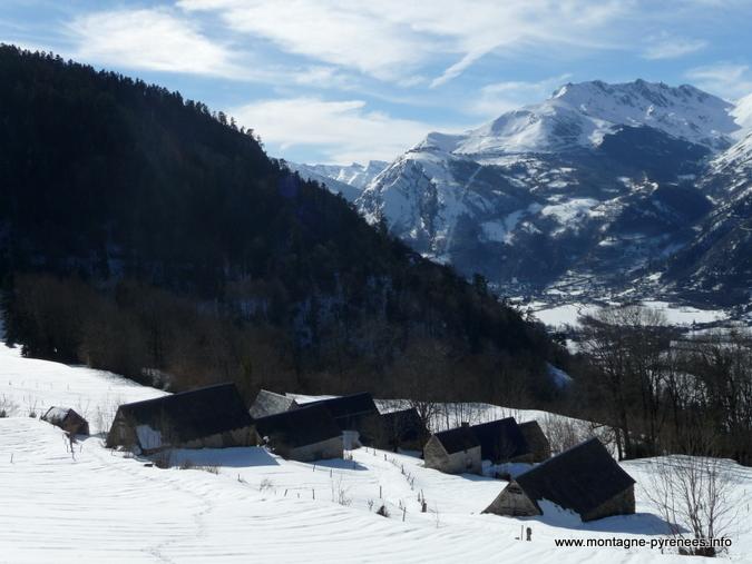 granges de Camparan en vallée d'Aure Pyrénées