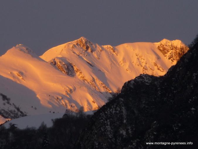 lever de soleil sur les crêtes de Saint-Lary vers Espiaube