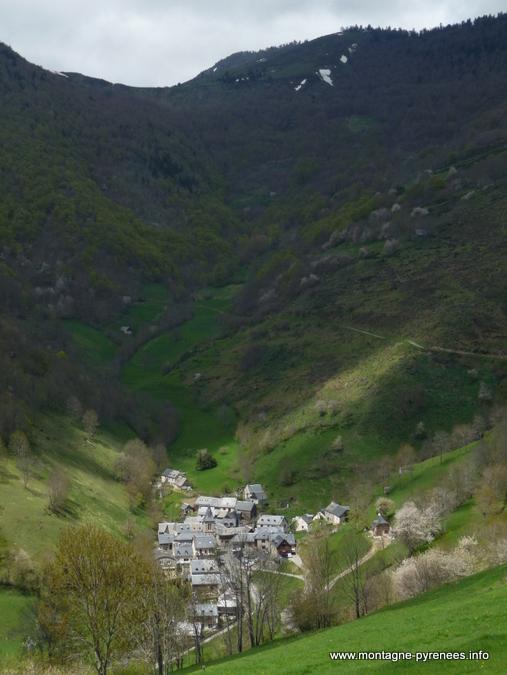 Village d'Aspin au pied du col d'Aspin
