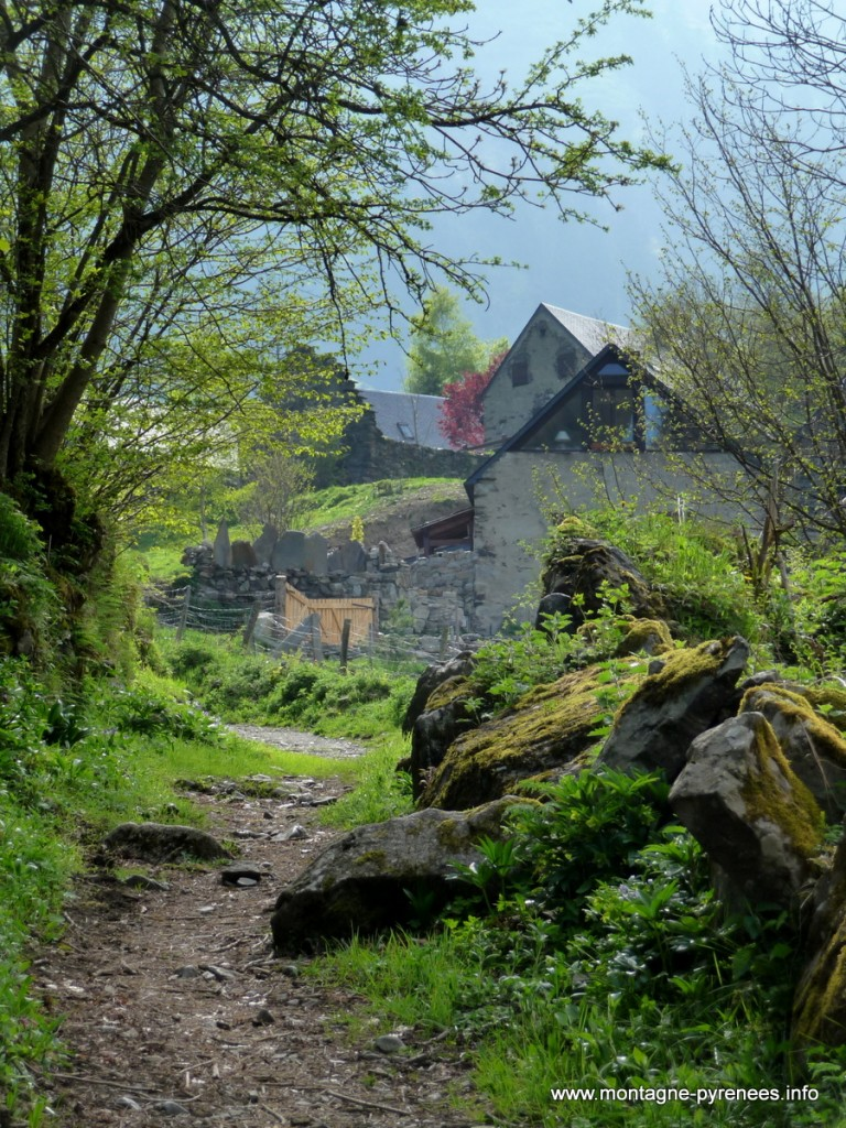 Granges de Lurgues à Aulon Hautes-Pyrénées