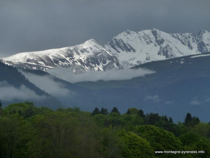 Au dessus de Goaux en vallée d'Aure Pyrénées