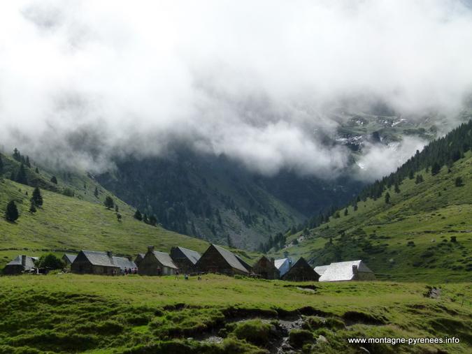 Granges du Moudang en vallée d'Aure dans les Hautes-Pyrénées