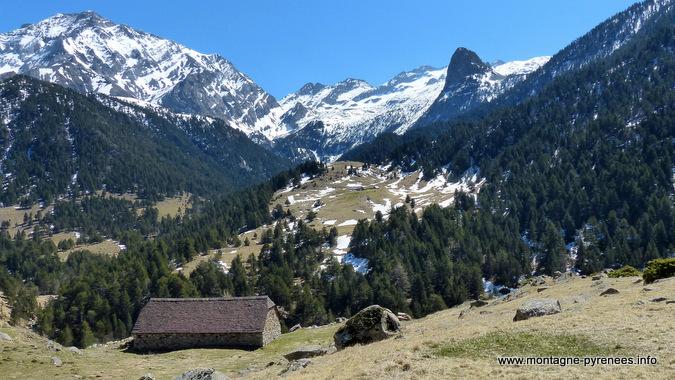 grange de viados face au massif des Posets