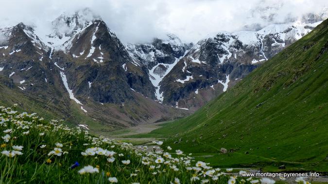 vallée de la Gela qui permet d'accèder à Barroude - Pyrénées