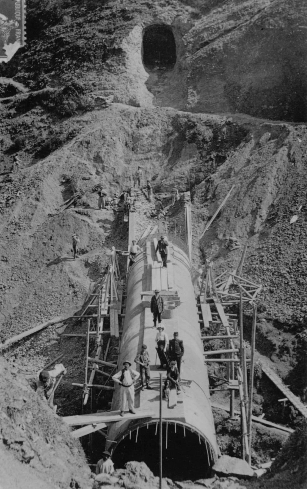 Canal d'amenée d'eau depuis Avajan - usine de Bordères