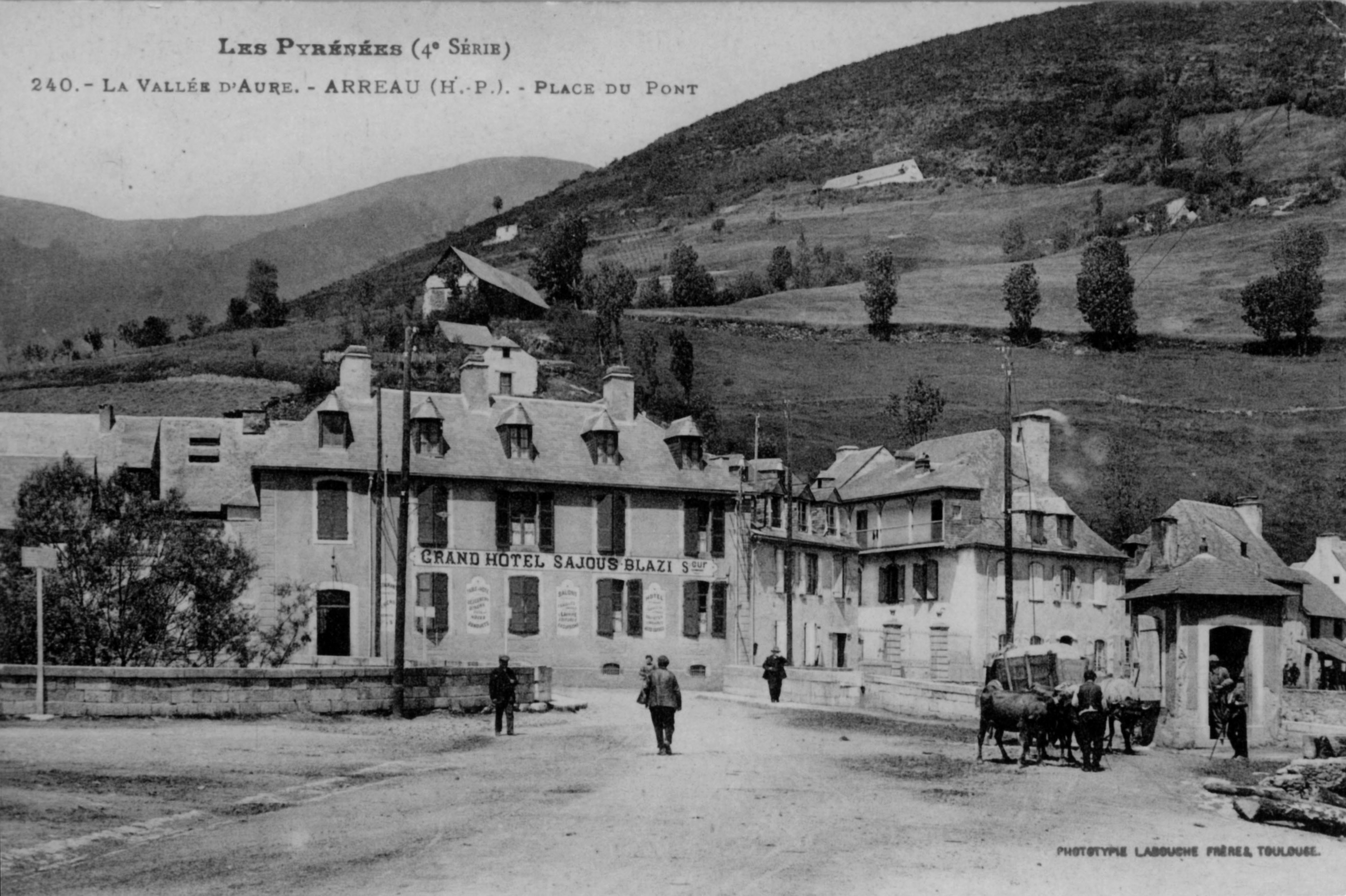arreau-place-monument7 (2)